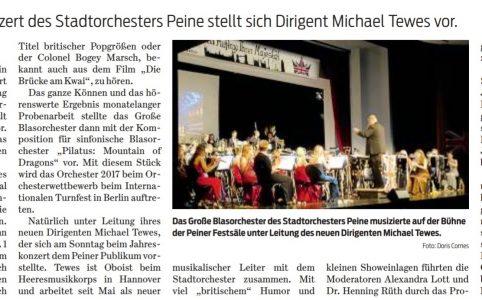 Das Große Blasorchester des Stadtorchesters Peine musizierte auf der Bühne der Peiner Festsäle unter Leitung des neuen Dirigenten Michael Tewes. Foto: Doris Comes